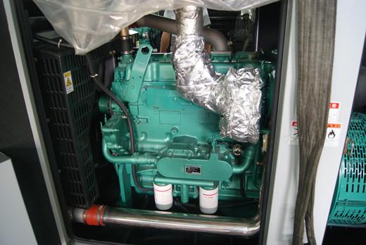 江西客户订购DKG7-165/N的常用玉柴柴油发电机组成功出厂,机组选用玉柴YC6G245L-D20为动力,最大功率为165KW。标配英格电球其型号是EG280-160N。该机组符合了客户的要求,机组整体结构紧凑、外型美观、性能稳定,东康柴油发电机厂家工程师对机组进行了全面的出厂前检测,各项指标均符合国家标准.